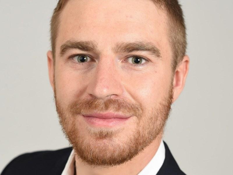 Simon Mayer Wins 2021 Best Job Market Paper in Finance Theory
